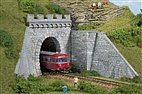 HO 2 Tunnelportale 1-gleisig mit Flügelmauern / Auhagen 11342