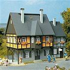 12343 Auhagen - Wohnhaus Bahnhofstr. 1 - HO/TT Bausatz